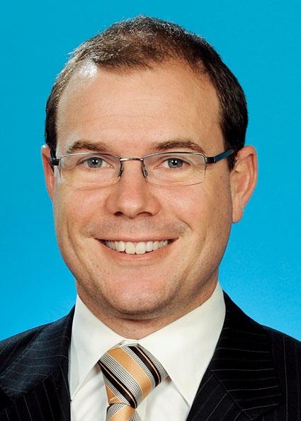 Hon Andrew Fraser